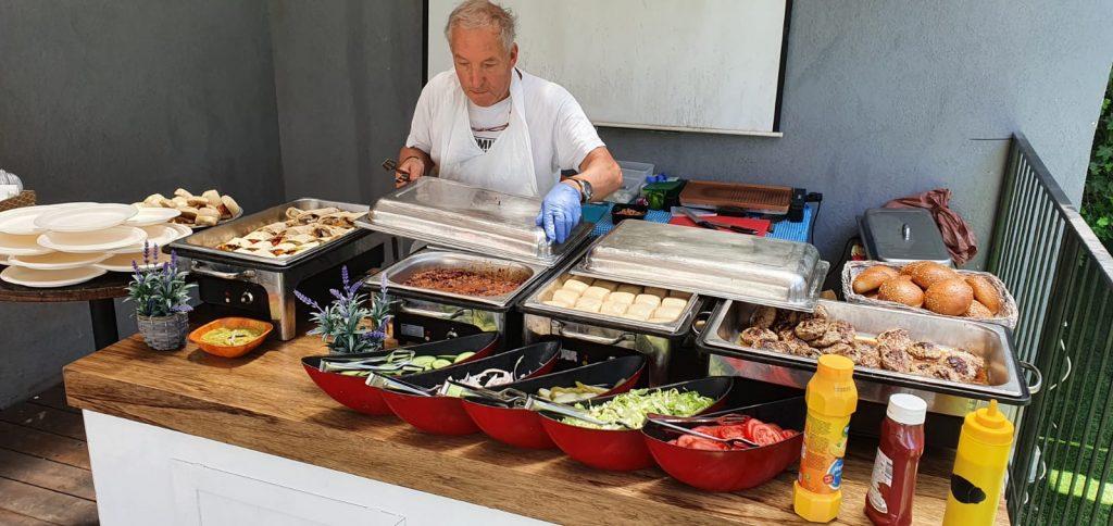 דוכני מזון של קייטרינג קרוזו